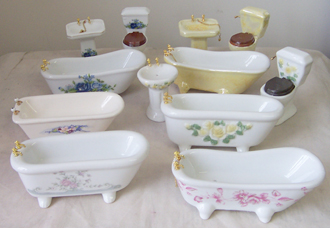 Assorted Fancy Porcelain Bathroom Set