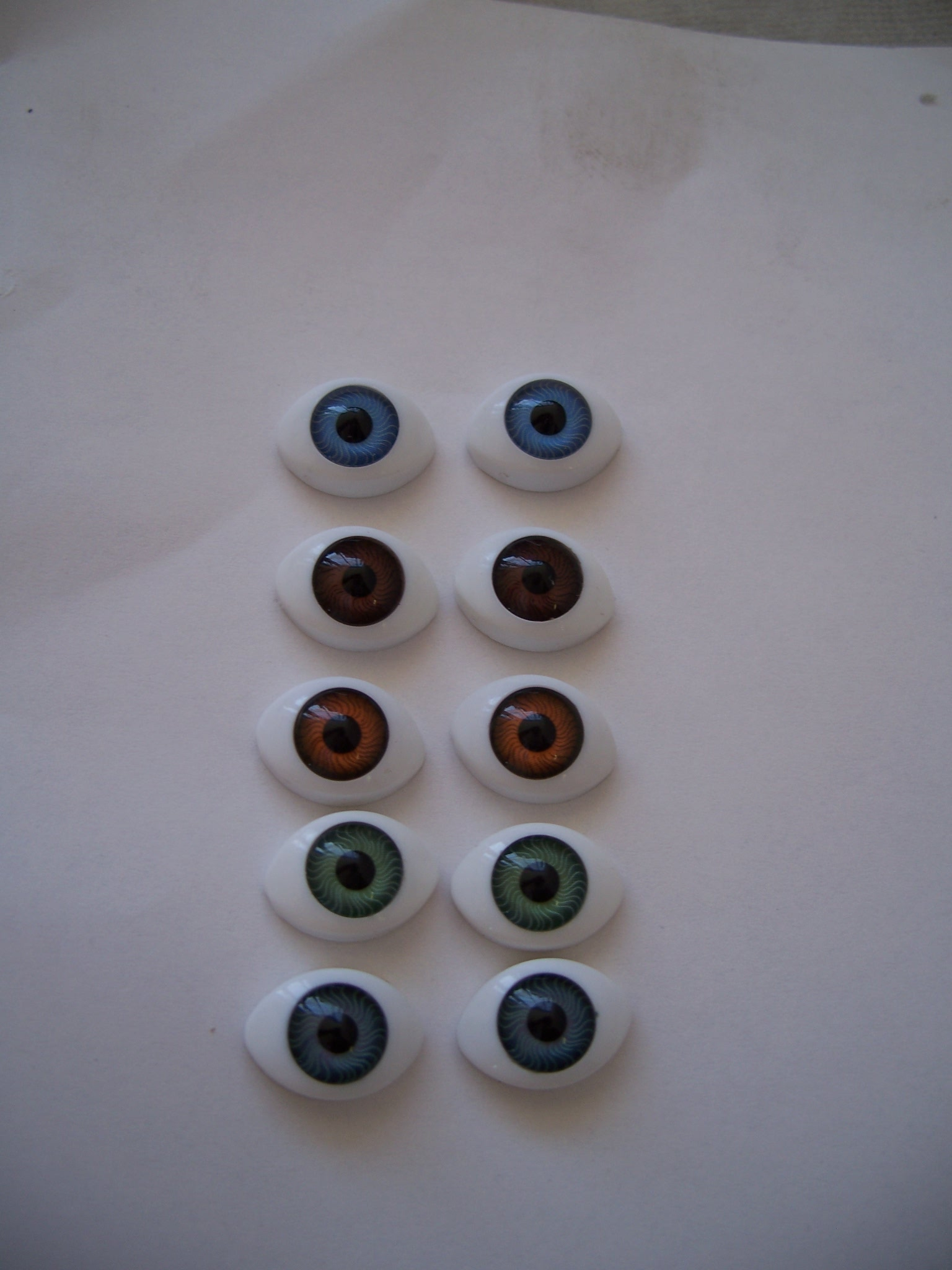 Standard Acrylic flat backed eyes