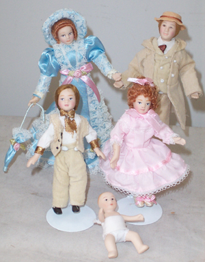 Doll House Family